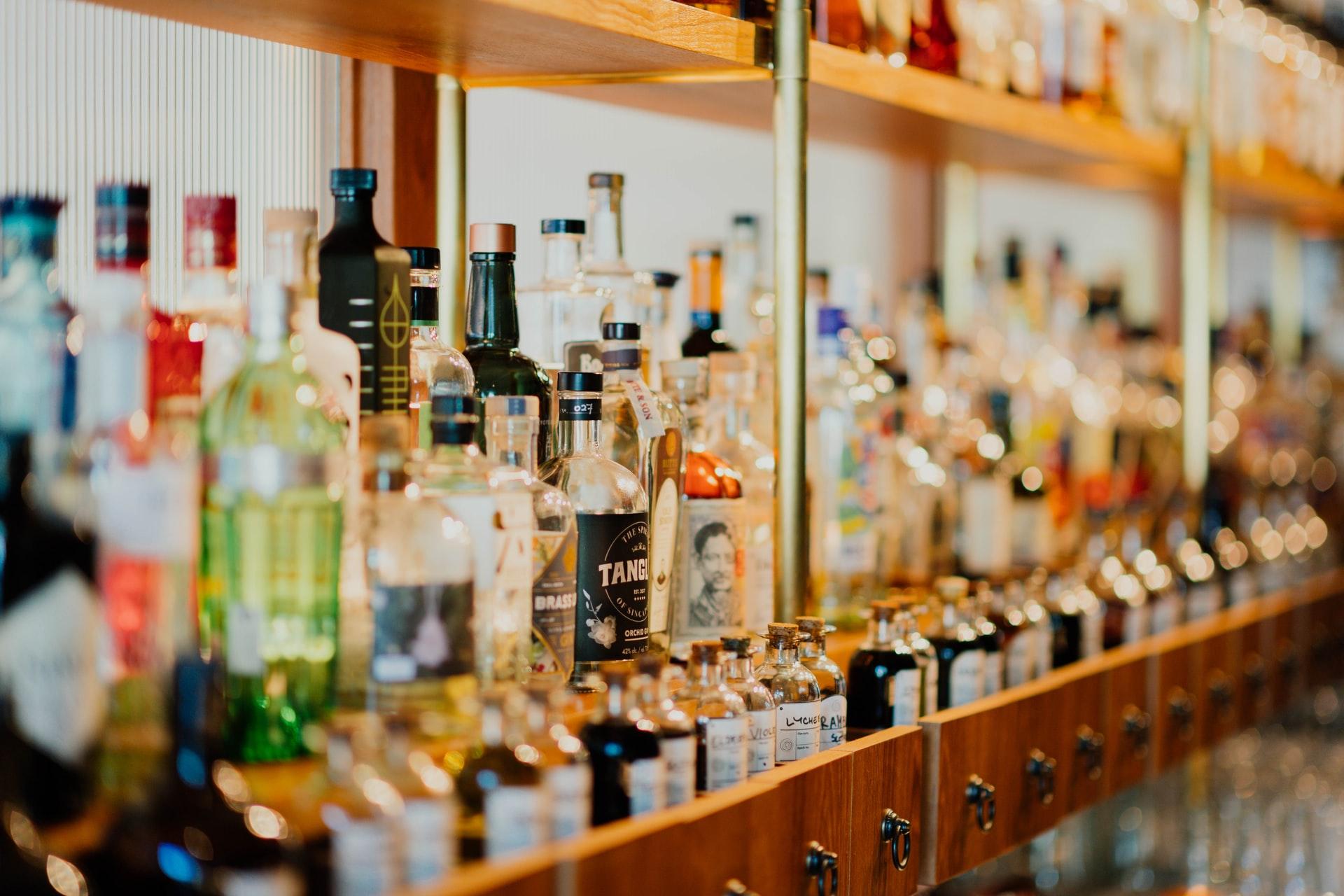 Kan je zelf minderen met alcohol drinken?